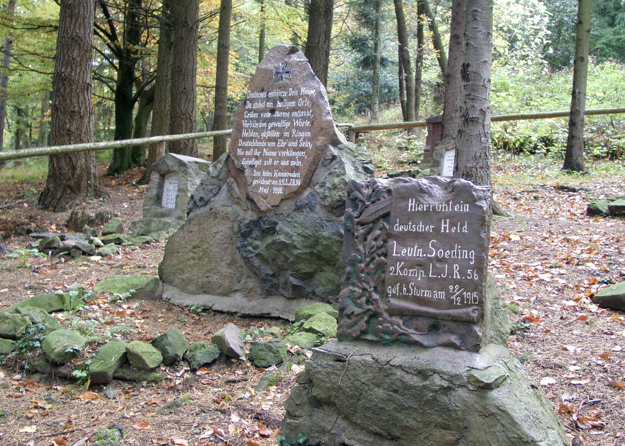 Jäger-Cemetery at the buttom of the Hartmannsweilerkopf