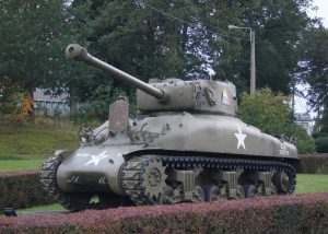 Sherman M4A1at Vielsalm with commemorating plate from 7. US Armoured Division